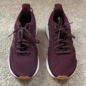 Maroon and white adidas ortholite questar size 8.5